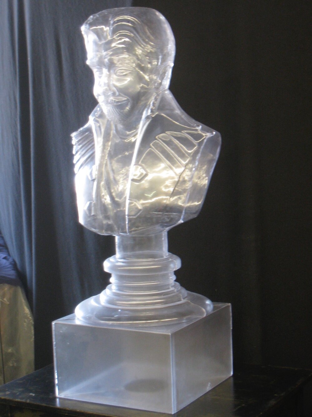 Shakespeare Ice Sculpture, Something rotten