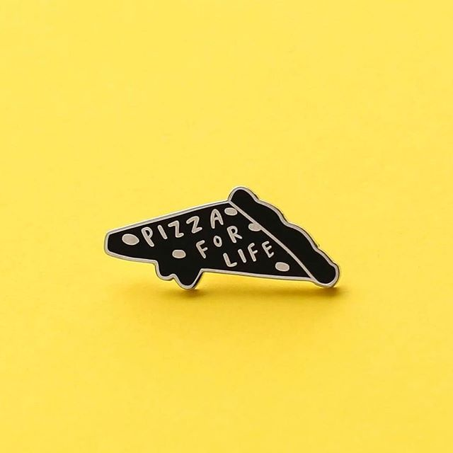 Sorry i haven't posted in awhile // working on some fun things, but for now ' P I Z Z A . F O R . L I F E ' // 〰️ #pizza #love #food #instagood #yellow #pin #create #studio #london