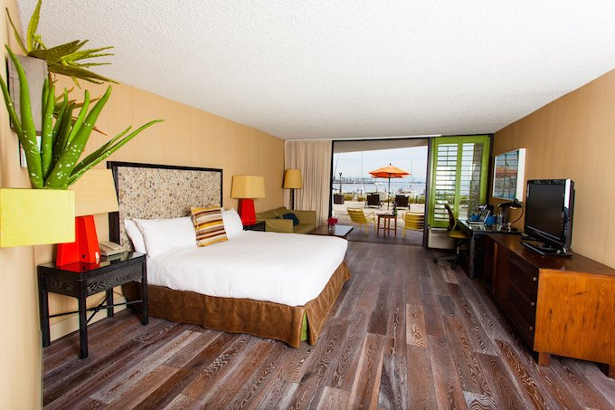 Maya_room