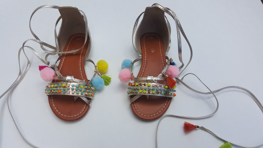 D.IY. GREEK SANDALS WITH TASSELS AND POMPONS