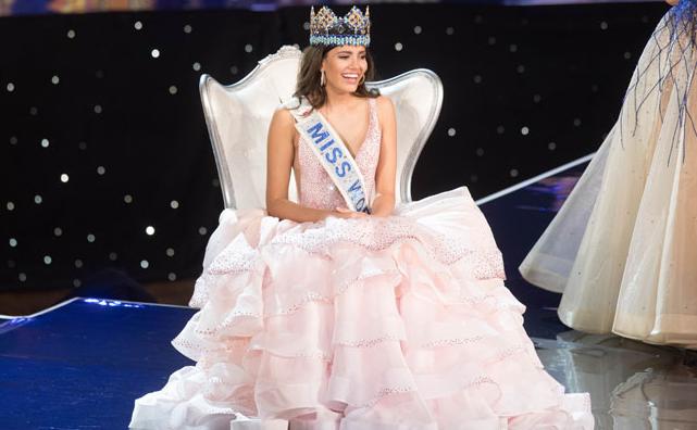 Miss Mundo, Stephanie del Valle luciendo vestido de Carlos Alberto confeccionado con telas de Olazábal