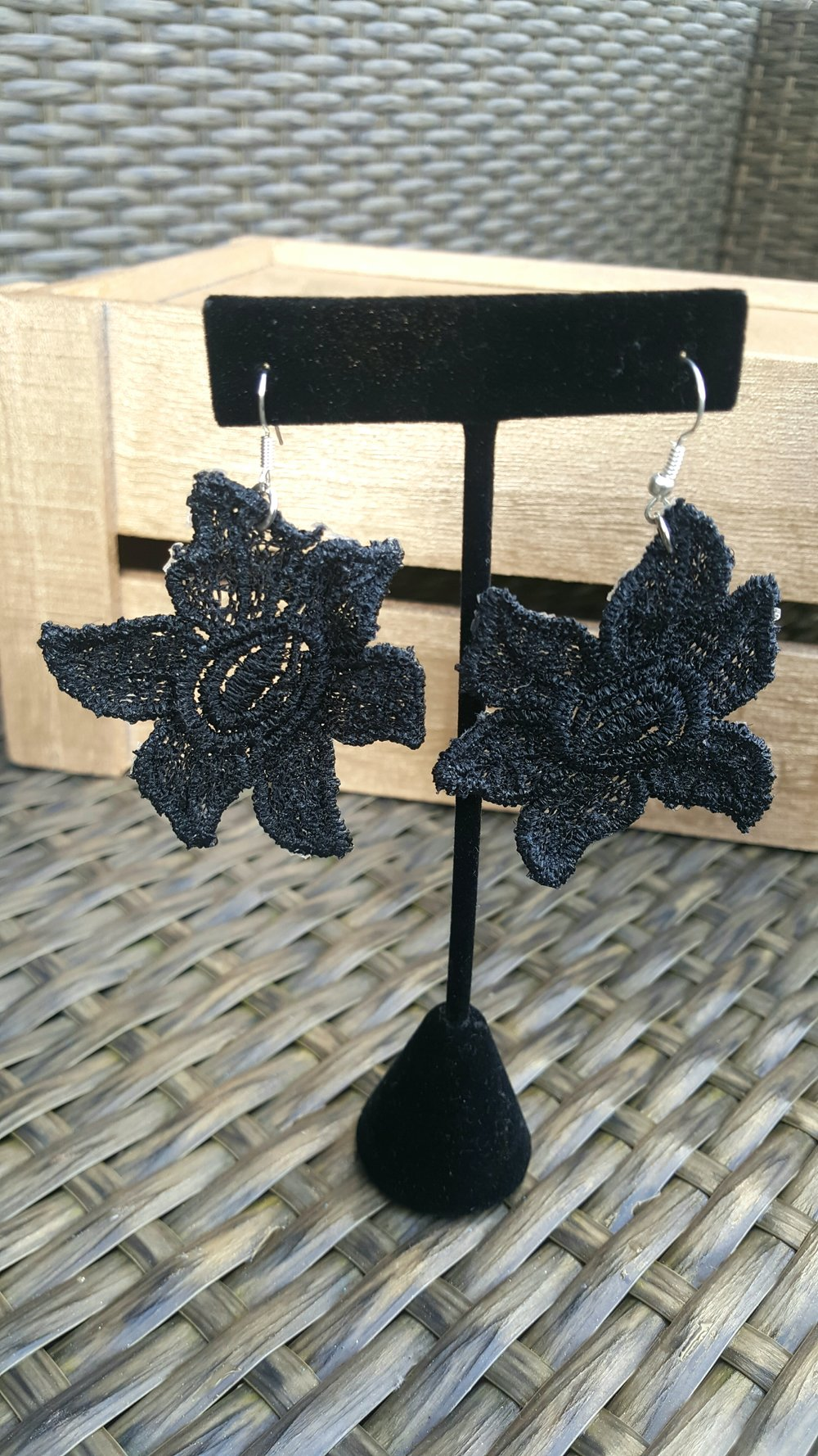diy lace earrings how to make