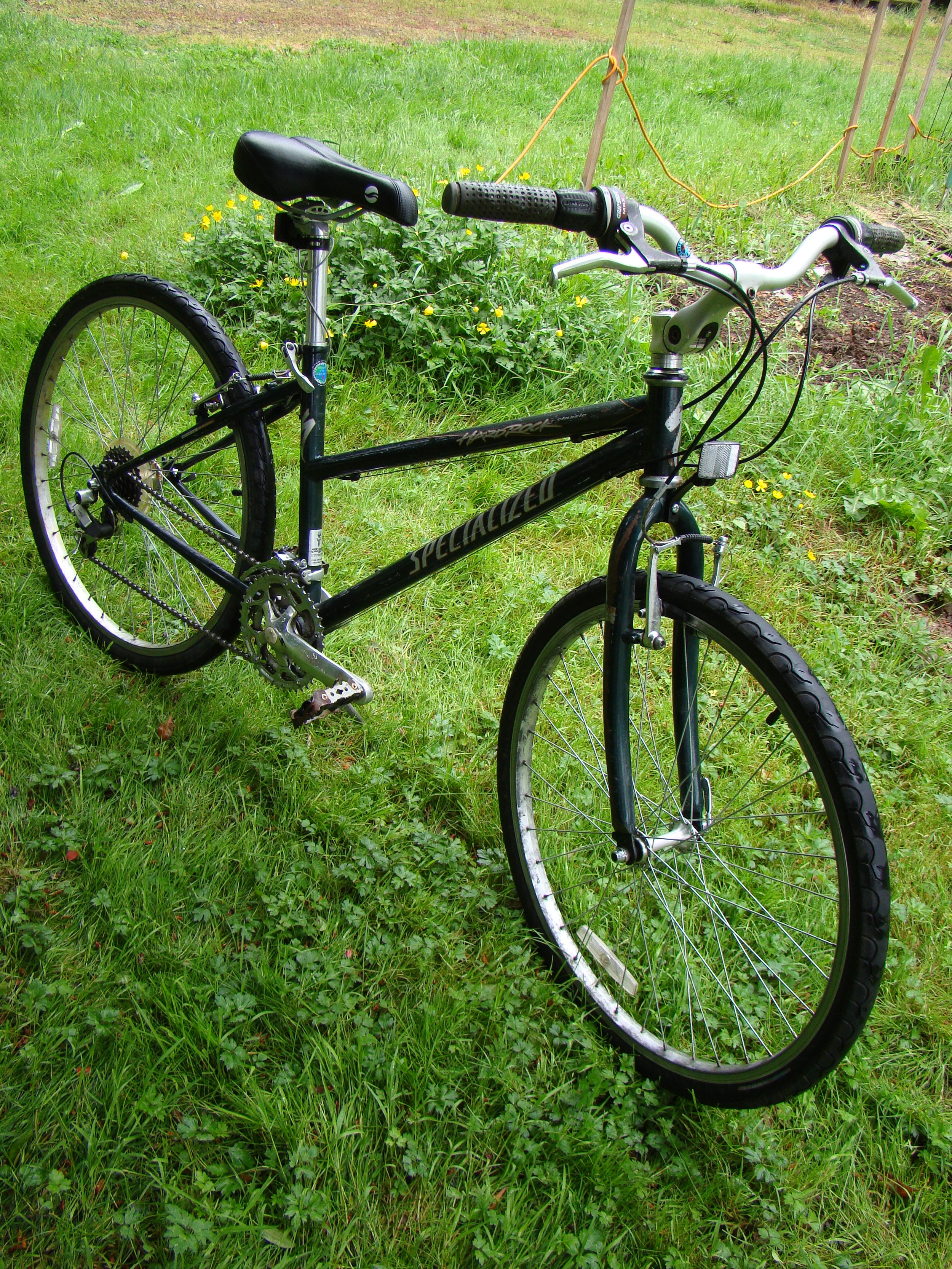 mountain bike hybrid commuter