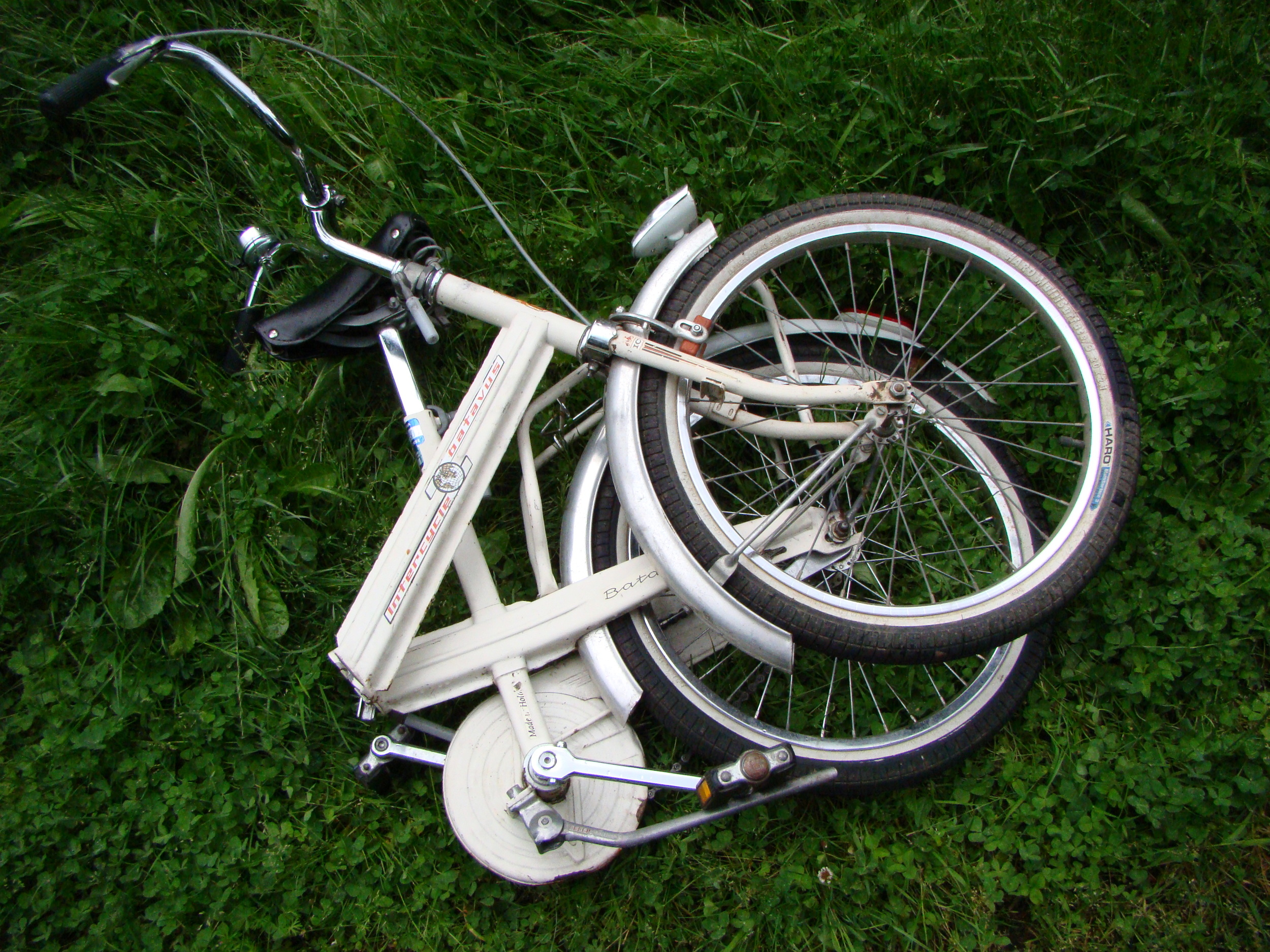 wee Dutch folding bike