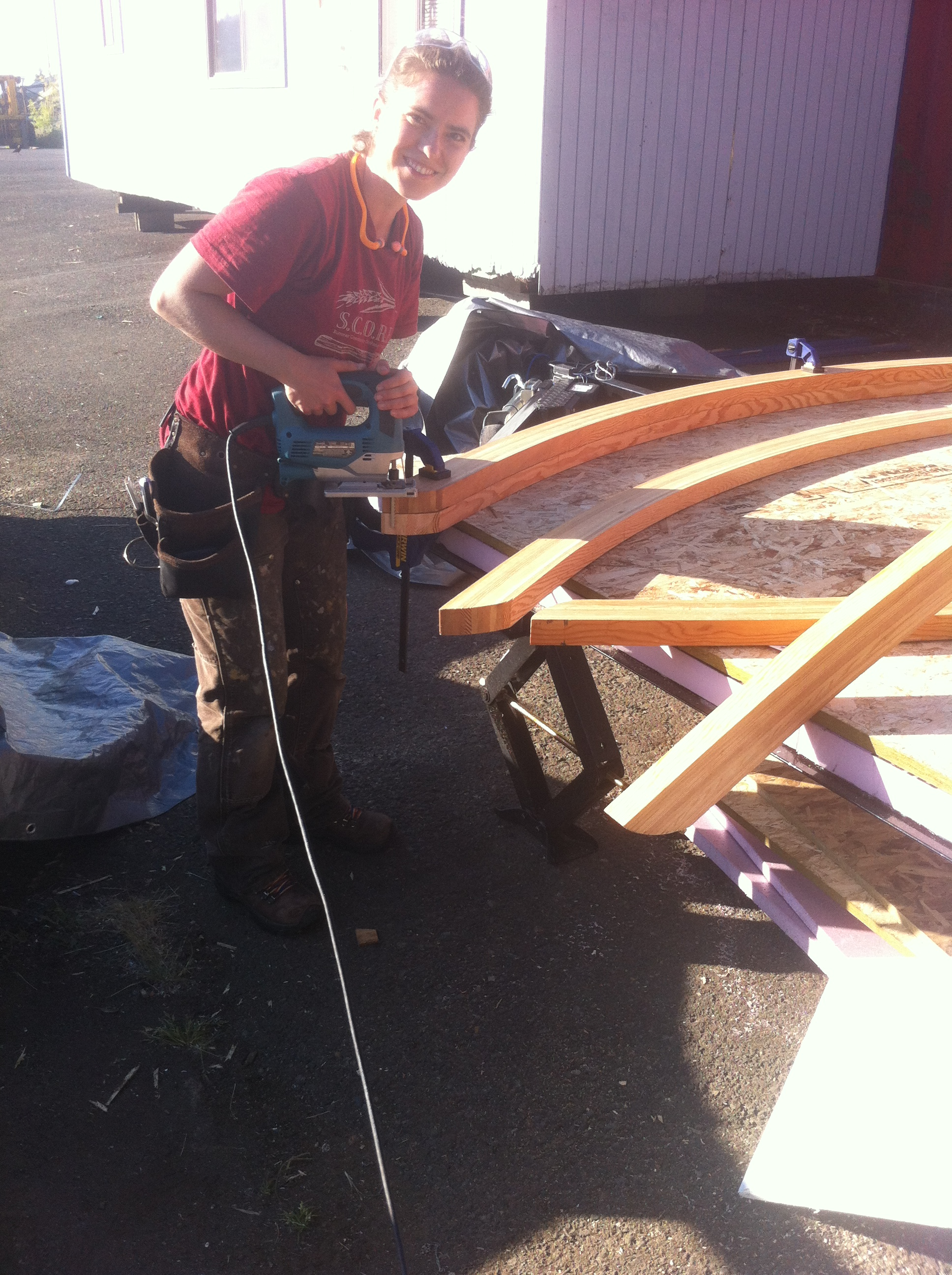 Lina cutting curved rafter tales