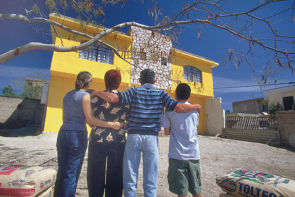 La iniciativa Patrimonio hoy ha alentado a más de 350 mil familias a construir su propia vivienda.