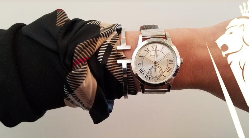 Style-Tip-Scarf-on-Wrist-DeVilla-styleblog-2.jpg