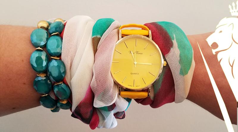 Style-Tip-Scarf-on-Wrist-DeVilla-styleblog-5.jpg