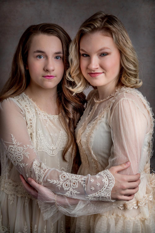 Sisters-8346.jpg