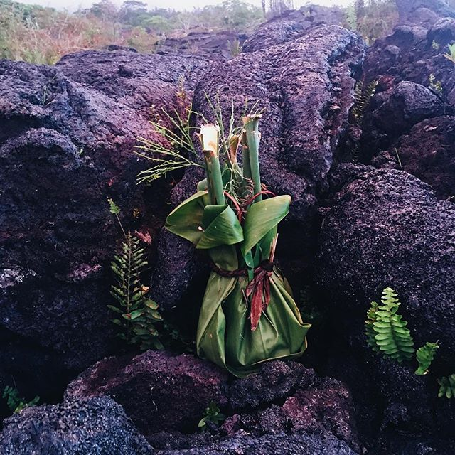 Sitting on the plane back to Oahu and scrolling through my camera roll.... and my Big Island trip highlight is this offering to Pele, goddess of lightning, fire and volcanoes, that I found tucked away in the lava I visited yesterday. (This and my energy work/ massage session with @balancedlifehilo during which I felt my energy shift and cried and processed and let go of shit holding me back!) I am new. 🔥