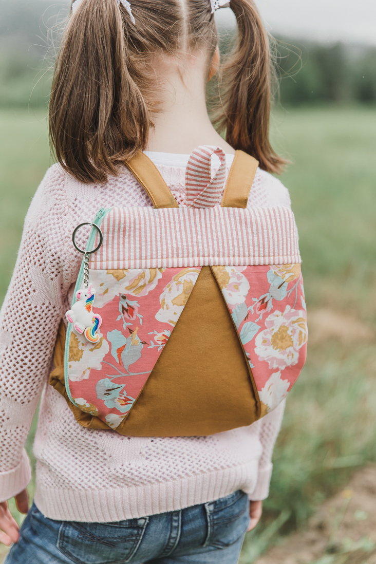 Kids backpack: Cricut + Simplicity