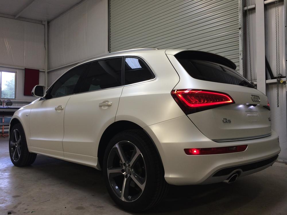Satin Pearl White Audi Q5 Grant Makes