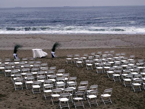 beachwed_rain_flickr_sister72