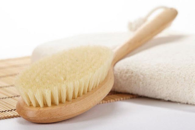 Dry-Skin-Brushing-beauty-expert-naturalbeauty-tips