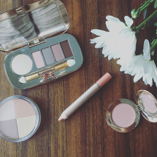 Jane Iredale Skin Is In Review Liv Lundelius Natural Beauty Expert