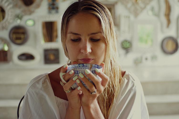 Liv Lundelius my healthy morning routine vegan lifestyle kundalini yoga meditation organic vegan makeup artist sydney