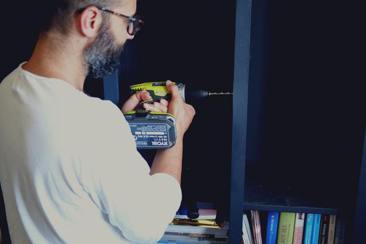 DIY Bookshelf 03.jpg
