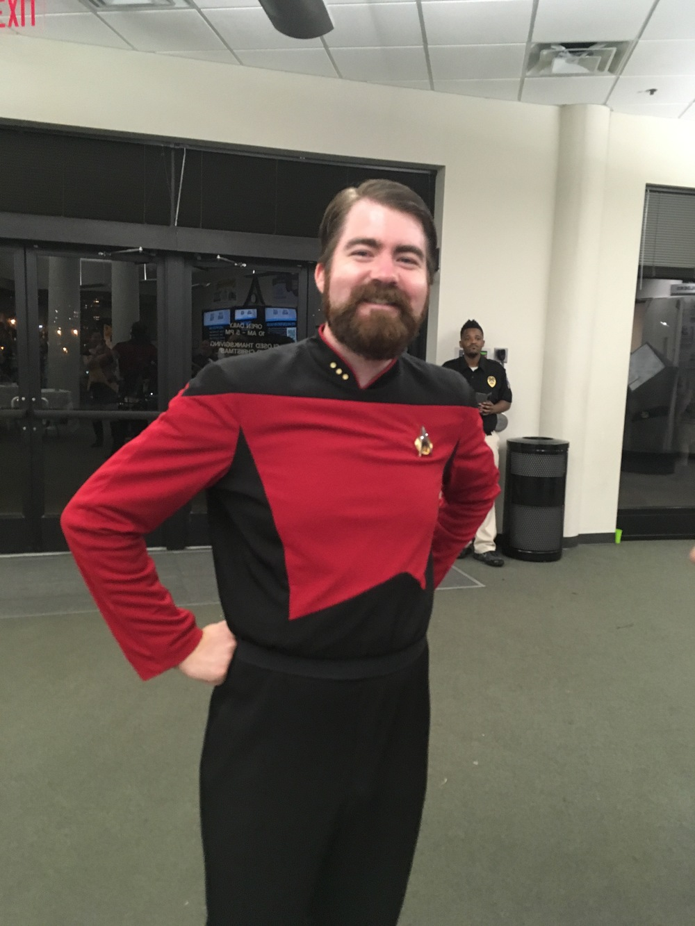 The split between Star Trek and Star Wars representation was pretty evenly split, but the trekkies seemed more broad in their costuming choices.  There were far fewer specific characters and more general members of Star Fleet.  I did, however, find this great Riker.