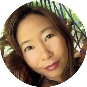 Lorna Li, founder of Entheonation.com, and new media strategist to sustainable brands, social ventures and visionary entrepreneurs. She helps intuitives become visionary leaders, and visionary leaders inspire a movement.