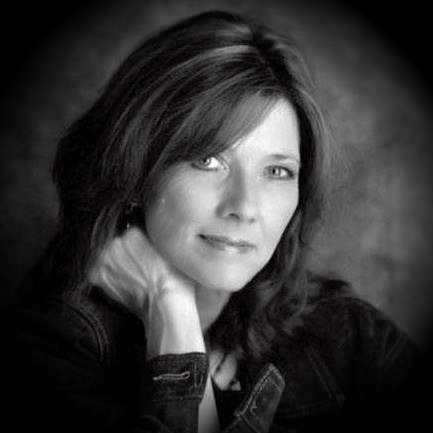 With over 400 songs recorded, Kim McLean has also garnered a Dove Award for Gospel Song of the year, ASCAP and NSAI awards, Grammy and Juno nominations, and as an indie artist won Song of the Year honors for best Americana/Folk song for the Just Plain Folk organization out of 800,000 entries.