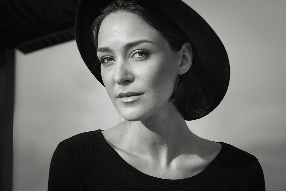 Head shooot portrait | model behavior | Yuri Torres Photography .jpg