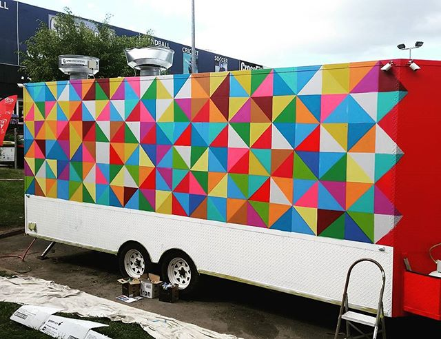 Painting up Istanbul Eats food trailer today.  Check out this Background. Couple more layers to paint,  and the lettering.  #colour #paint #Aerosol #food #truck #trailer #decoration #streetart