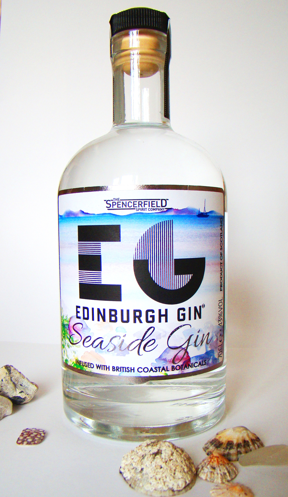 A commission for a limited edition bottle of Seaside Gin for Edinburgh Gin, by  Spencerfield Spirit Company.