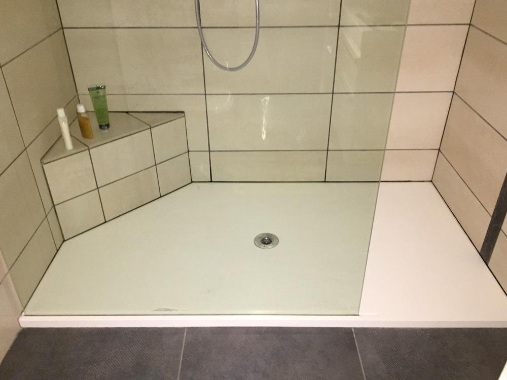lavabo extra plat cala lavabo mural en porcelaine with lavabo extra plat elegant siphon de. Black Bedroom Furniture Sets. Home Design Ideas