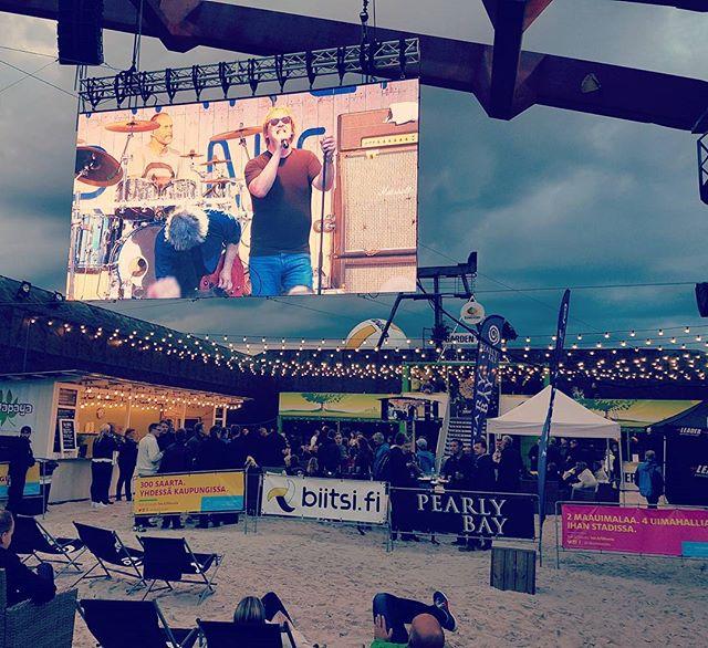 Martti Syrjä & Beachboard Proomu. 😍  #beachboard #eppunormaali #marttisyrjä #hsrlive @hernesaarenranta