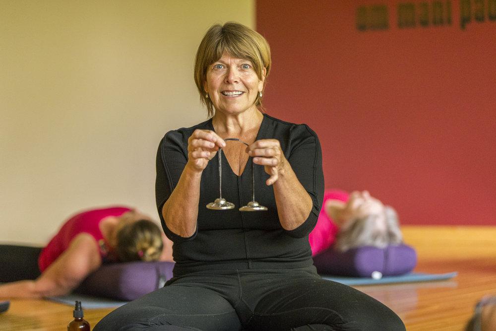 char-adelmann-green-lotus-private-yoga-meditation-instruction