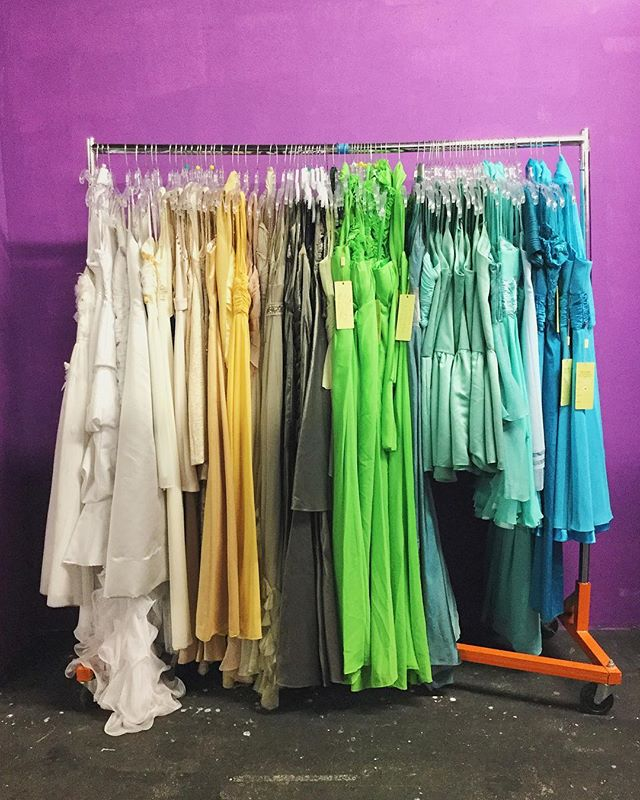 Have any dresses/gowns, heels, accessories or bags? SS is always accepting donations for Project Prom ✨DM us for donations!!