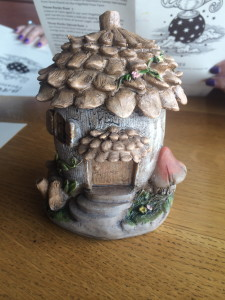 Fairy House Figurine used for inspiration.