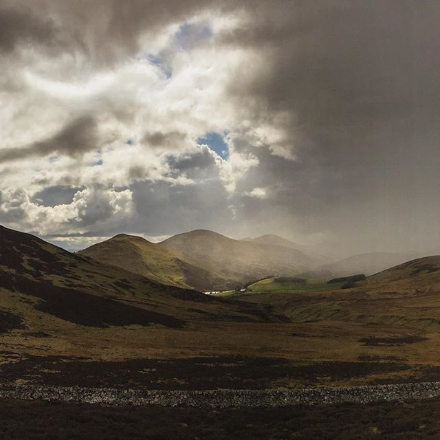 Snow clouds to the north. #Pentlands #Edinburgh #Spring time