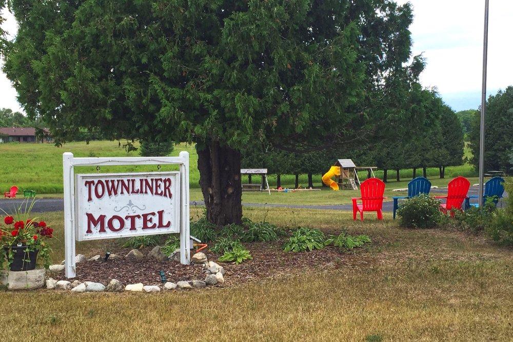 Townliner_Motel_Washington_Island_2019_1.jpg