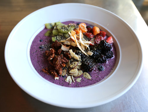Lunch at the Q - Smoothie Bowl