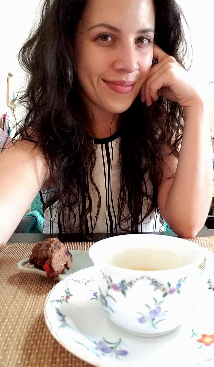 tea time selfie