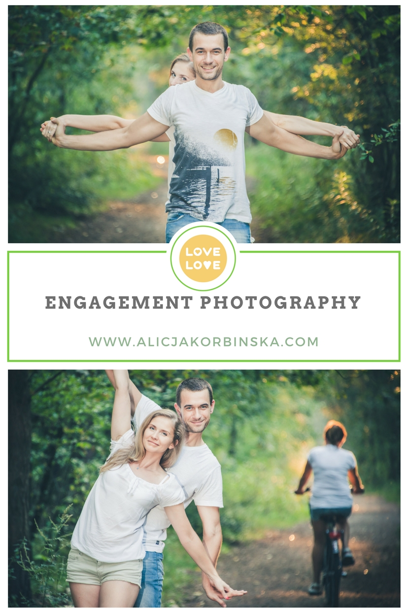 engagement-photo-couple-forest