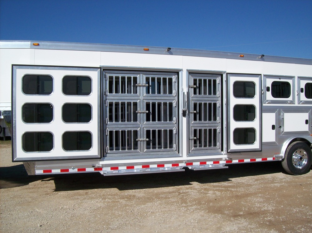 "Dog Kennels<a href=""/area-of-your-site"">→</a><strong></strong>"