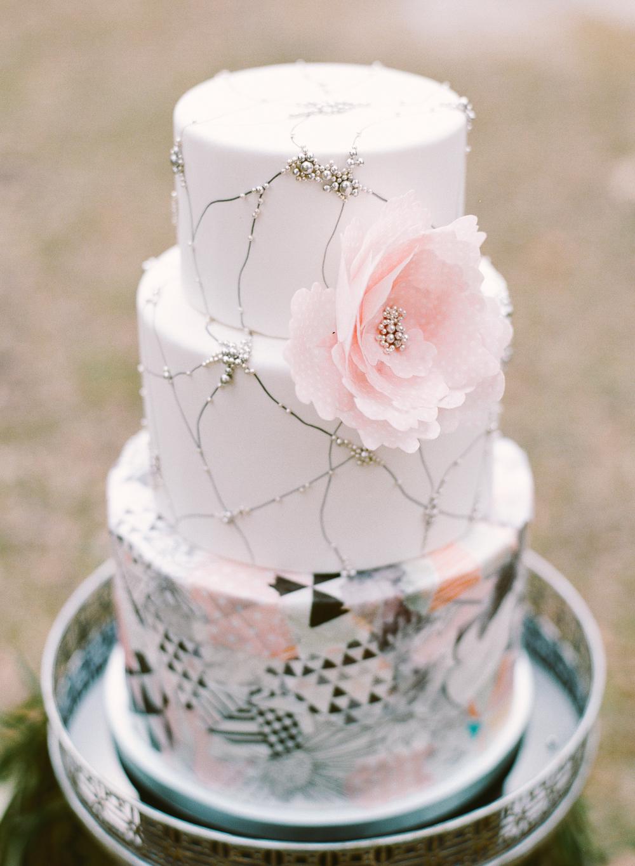 Modern wedding cake with flower