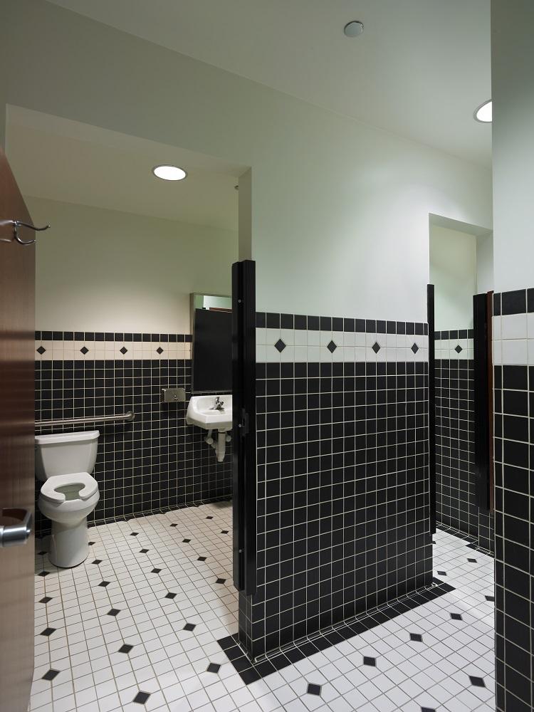 Interior(28) - Restroom (Angled).jpg