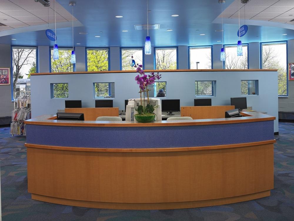 (4)Interior - Front Desk.jpg