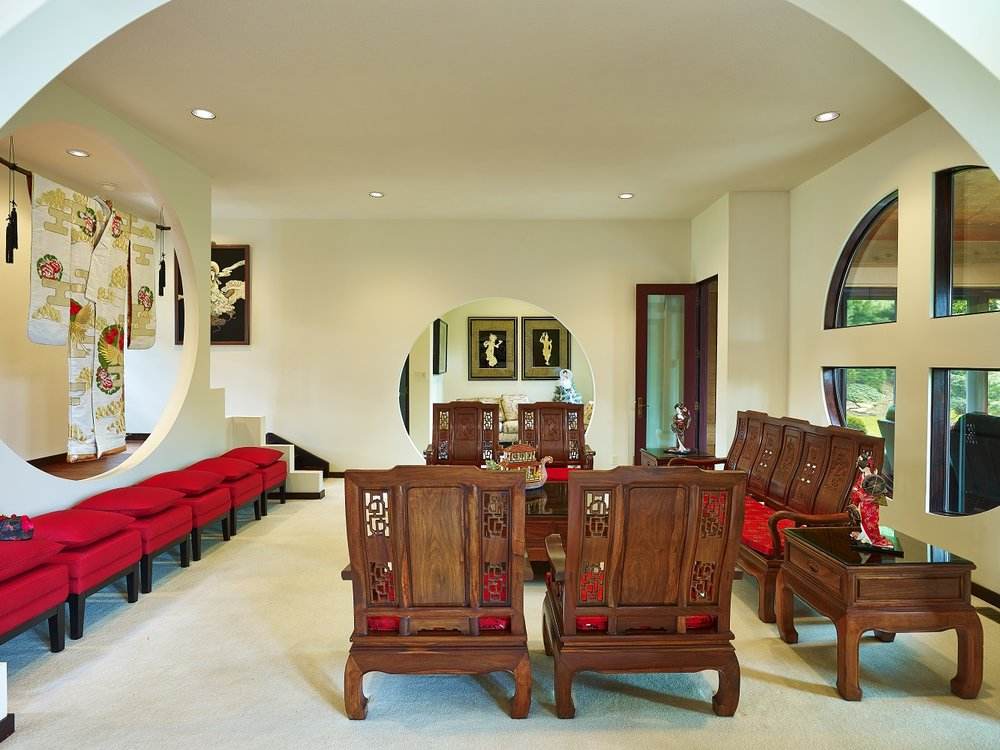 Interior - Sitting Room into Entrace Way.jpg