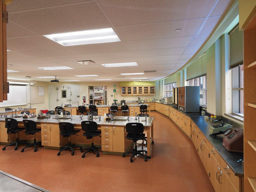 Interior - Classroom Large Lab.jpg