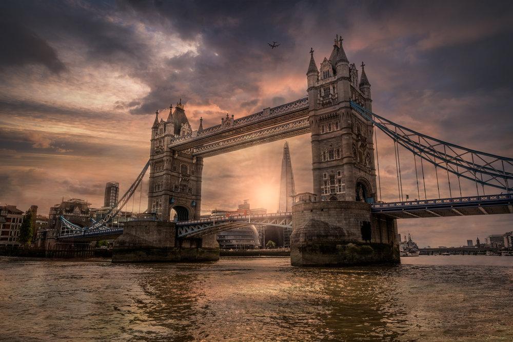Tower bridge 3 sunburst 2 flickr.jpg