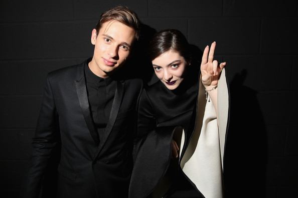 Lorde-27th-Annual-ARIA-Awards-2013-Awards-8GKXEHdkZM1l.jpg