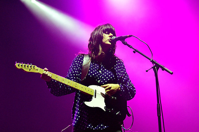 Courtney-Barnett-performance-pink-2014-billboard-650.jpg
