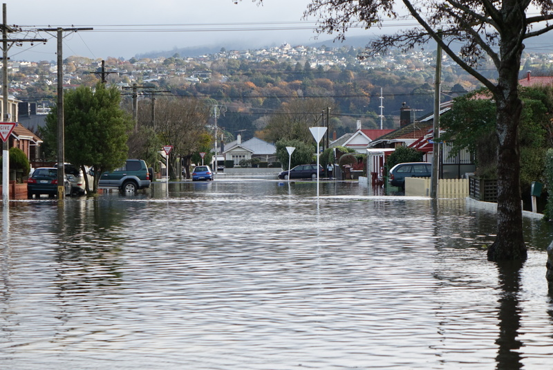 Flooding, Dunedin, NZ, 2015, by Ian Telfer