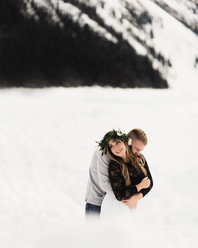 Peeking over a snowbank. Not long until all that snow is world famous turquoise water. Can't you just feel the happiness? Coming soon to the blog.  #gingersnapphotography . . . . . #lakelouiseweddingphotography #lakelouiseengagement #lakellouise #banff #banffweddingphotographer #banffweddings #banffengagementphotographer #morainelake #mountainelopement #mountainweddings #yycweddingphotographer #yycengagement #engaged #calgaryweddingphotographer #calgaryweddings #destinationweddings #soloverly #heckyeahpresets #belovedstories