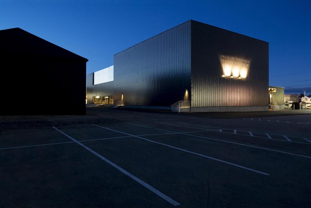 03 Salle de spectacle Dolbeau-Mistassini.jpg
