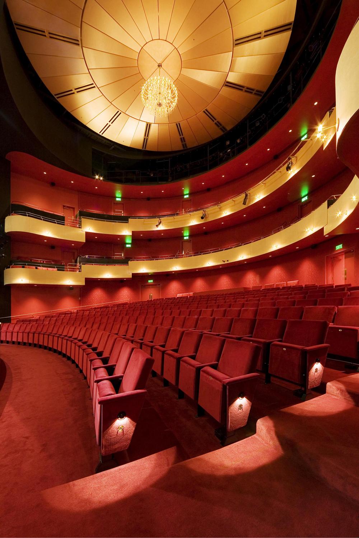 10 Salle de spectacle Dolbeau-Mistassini.jpg